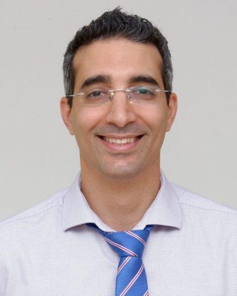 """ד""""ר אבי אוחיון, רופא עיניים מומחה לניתוחי רשתית וקטרקט"""